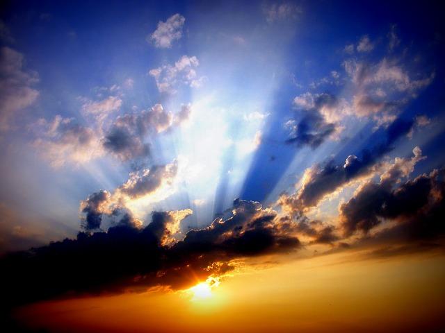 雲と夕焼けと