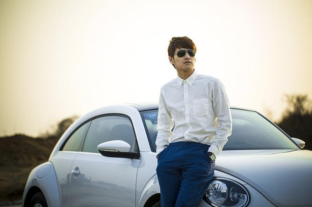 車とメガネ
