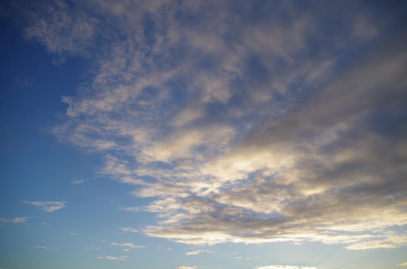 雲の色空の色