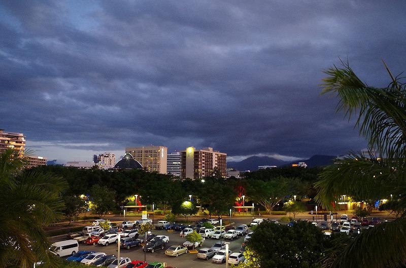 ホテルの夜の眺め
