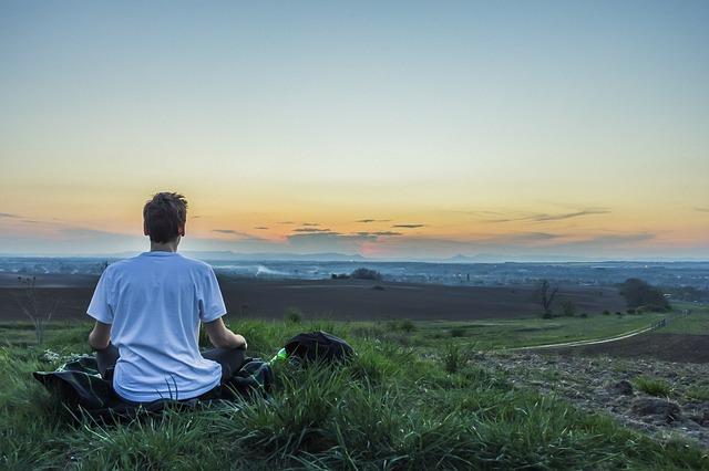 自分に軸を戻す瞑想とヨガ